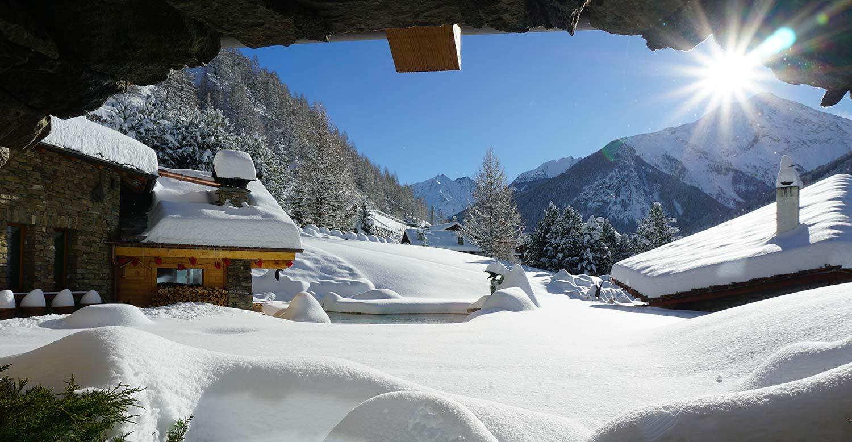 vista invernale dal laghetto alpino